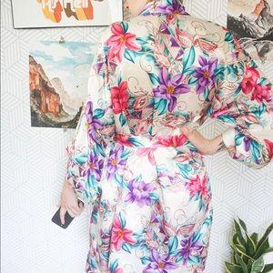 Vintage Intimates & Sleepwear - Vintage Floral satin Poly wrap robe